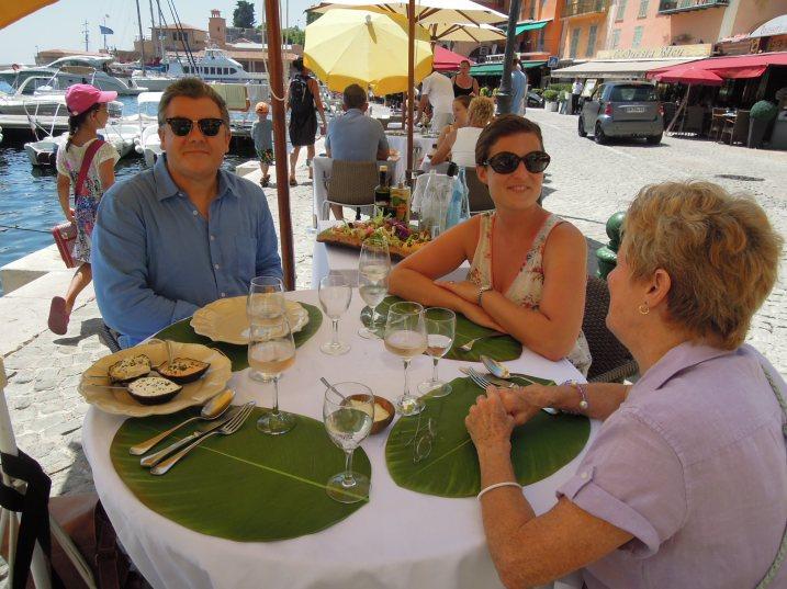 DSCN1328-lunch at harbor-Trevor & Julia